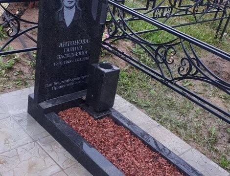 Памятники из гранита в уфе омске памятники фото описание Балаково